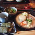 22862950 - ランチ 壱の膳(日替わり・鮭と大根の豆乳餡)