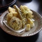 蕎麦 にしむら - 天ぷら盛り合わせ