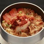 ニパチ - 〆にも最適な「豚キムチ釜めし」