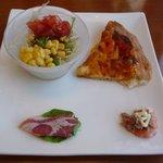 2287255 - Aランチの前菜・ワンカットピザ・ミニサラダ