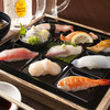 回転寿司 北海素材 - 料理写真:当店で一番人気のランチです!!「本日の握りセット」780円 赤だし+サイドメニュー付!