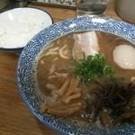ひかり食堂 - 魚介醤油700円+味玉100円+めし100円 計900円(2013年12月訪問)