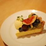 マザームーンカフェ - 季節のフルーツタルト