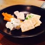 MOKU cafe - チーズ盛り合わせ