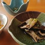 花月 - この『シイタケの煮物』が旨かった!…しかし、会席の一品だとは気付いて貰えただろうか…。