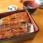 花月 - うな重(小鉢・香の物・汁・デザート付)¥2835
