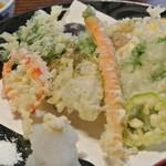 花月 - 余り天ぷらとしても見かけない様な食材も入っていて、おもしろい