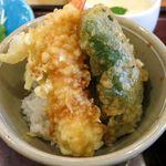 和食レストランとんでん - ミニ天丼のアップ