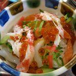 和食レストランとんでん - ミニオホーツク丼のアップ