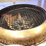 22883095 - つぎに火が入れられます。