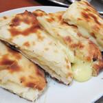 シブシャンカル - 今回は更に+180円でチーズナンに変更。