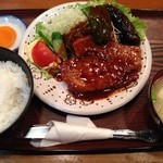 居酒屋 桂成 - 焼肉定食