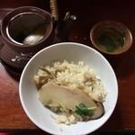 魚松 たぬき茶屋 - あばれ食いの松茸土瓶蒸しと松茸ご飯