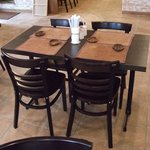 AZ DINING - テーブル席です。