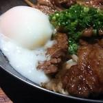 飯家ひさひさ - 黒毛和牛カルビ鉄板焼アップ(カルビというより、ステーキに近いです)