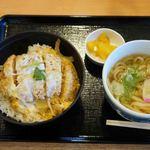 牧之原サービスエリア(下り) - カツ丼+かけうどんセット