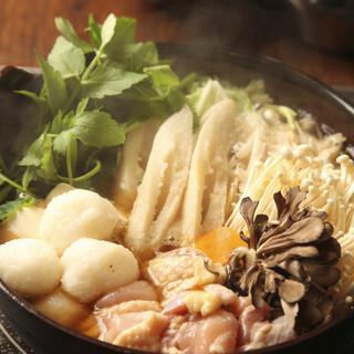 あくとり代官 鍋之進 - 秋田県産比内地鶏を使用した「きりたんぽ・だまこ鍋」