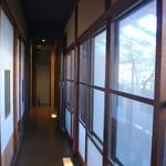 楽市楽座 - ★外廊下。個室は障子と襖で仕切っています