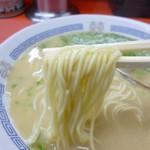長浜一番 - 麺(かた麺、バッチリです!)