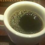 ワッツカフェ - 食後のコーヒー。バニラフレーバーの豆を使っている、相当なこだわり