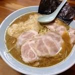ラーメンショップ - ネギトロチャーシュー麺ミソ(2013/12)1200円。味噌の風味を感じる以前にスープが暴力的にショッパ辛い!!でも、良い塩梅でとろろが中和してくれます。