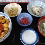 津軽海峡亭 - 二色 ウニいくら丼 ¥2000