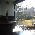 やまと - 軽井沢駅が目の前に見えます。