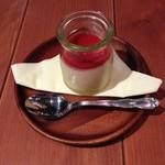 22908950 - 冬季限定 苺と練乳のプリン