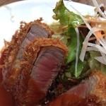 洋食の朝日 - ビフカツアップ