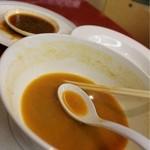担々亭 - スープちょい残し