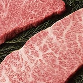 「吟味屋」で取り扱うこだわりの牛肉は、厳選した最高級のお肉。
