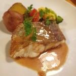 エコファームカフェ 632 - 真鯛のムニエル☆アップルシナモンクリームソース☆