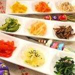 スンドゥブ韓豆 - 手作りの韓国おかずは野菜たっぷり