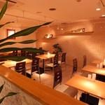 スンドゥブ韓豆 - カフェのようなきれいな店内