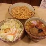 22919915 - 辛つけ麺+野菜