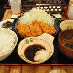博多芳々亭 - 鹿児島県産黒豚とんかつ定食