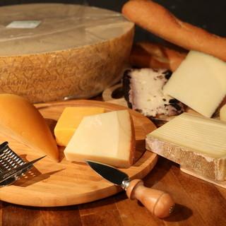 アツアツとろっとろのチーズが食欲を刺激っ!ラクレットセット◎