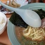 ニューラーメンショップ  - ラーメン+ライス+餃子のセット