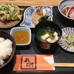 割烹よしのり  - 料理写真:お昼のおすすめ定食