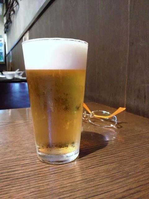 四川小吃 虎8 - グラスビール330円
