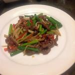 香虎 - 芽ニンニクと肉の炒め物