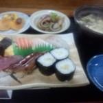 かぶと寿司 - (ランチ)にぎりセット 1,000円 ※ピンボケですがこれしか写真がありません。ご了承願います。