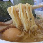 横浜ラーメン 山村家 - 麺