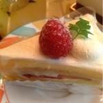 パティスリー ラズリー - ショートケーキ
