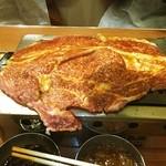 大阪焼肉・ホルモン ふたご - やっぱりはみでるカルビ♪