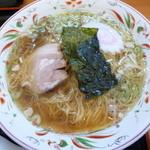 らーめん処次男坊 - シンプルな中華蕎麦ですがスープが(゜д゜)ウマー