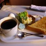 せるびあ - 料理写真:ブレンドコーヒーとモーニングサービス