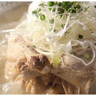 一押し!大人気のメニュー参鶏湯(サムゲタン)!