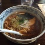 麺屋 壱福 - しょうゆラーメンをランチにしました♪ カツオ風味が効いてる〜