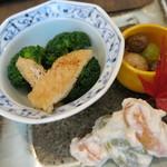 22952611 - 前菜盛合せ グロッコリーと薄揚げ 銀杏と慈姑